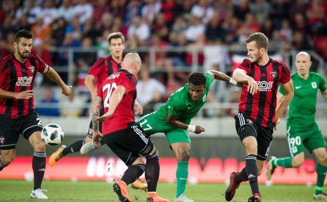 Prodaja Issaha Abassa v Mainz je bila tržni vrhunec poletnih kvalifikacij slovenskih klubov. Ganec bo v blagajno Olimpije navrgel približno 2 milijona evrov. Foto Sasa Pahic Szabo