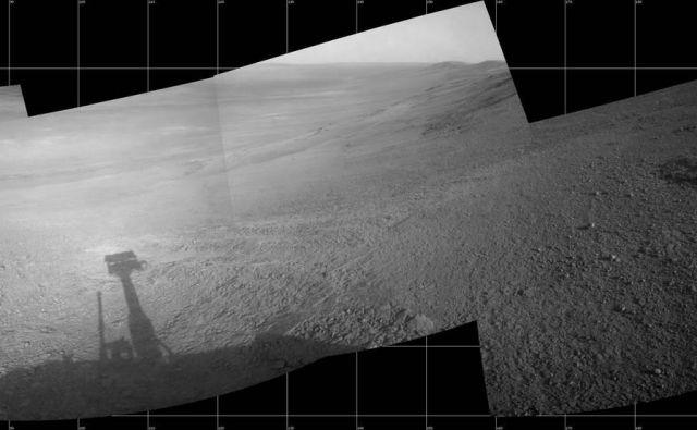 Okoli 11 mesecev pred prašnim neurjem je Opportunity ujel razgled na dolino Perseverance. FOTO: Nasa/JPL-Caltech
