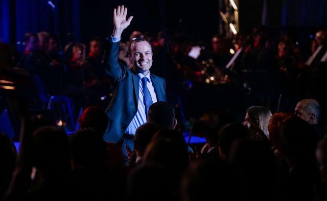 Če bo evropsko komisijo vodil Manfred Weber, bo morda politično preživel tudi dolgoletno kanclerko. FOTO: STA