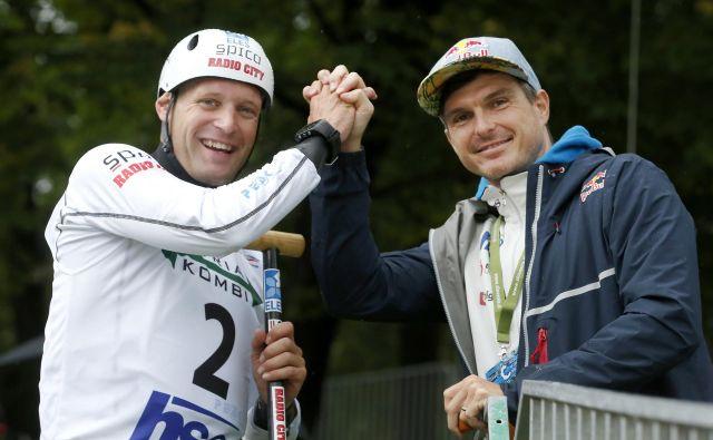 Benjamina Savška (levo) je v soboto spodbujal tudi Peter Kauzer. FOTO: Matej Družnik
