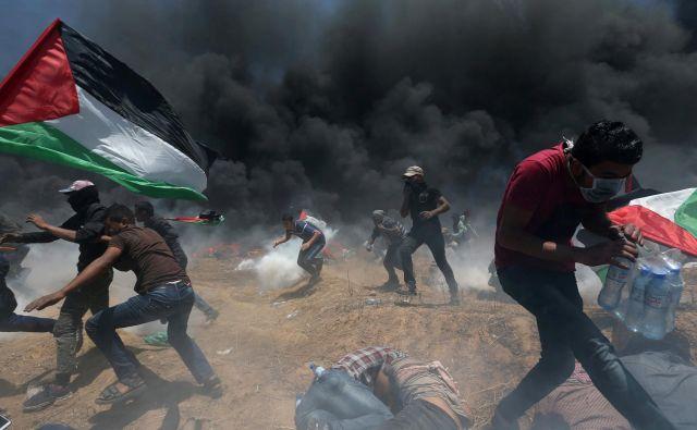 Agencija ZN opozarja, da bo letos težko zagotovila pomoč palestinskim beguncem. FOTO: Ibraheem Abu Mustafa/Reuters