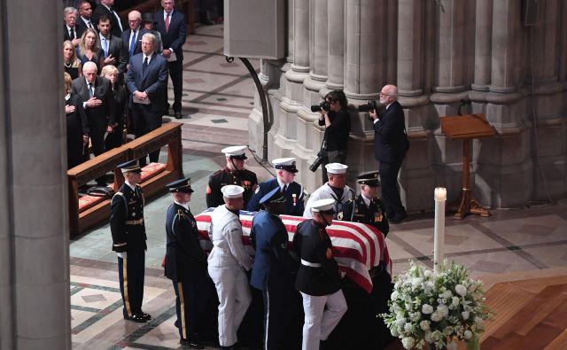 Trump se zasebne žalne maše za McCaina ni udeležil. FOTO: Saul Loeb/Afp