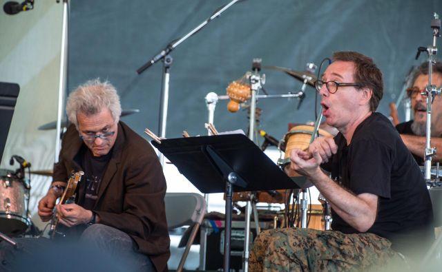 Marc Ribot (levo), John Zorn in Cyro Baptista Foto Tim Bugbee
