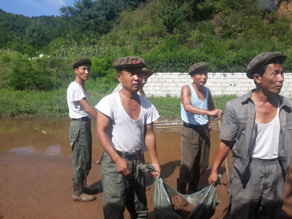 FOTO:Travmatizirani ujetniki ideologije in geostrateškega obračuna (FOTO)