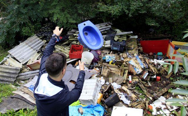 Več kot 40 odstotkov odpadkov na divjih odlagališčih je gradbenih, kar kaže na to, da sistem zbiranja te vrste odpadkov ne deluje.