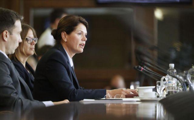 S področja energetike se je kandidatka za infrastrukturno ministrico dotaknila energetskega koncepta, ki je v javni obravnavi, in energetskega zakona, ki je bil sprejet prav v času njene vlade. FOTO: Leon Vidic/delo