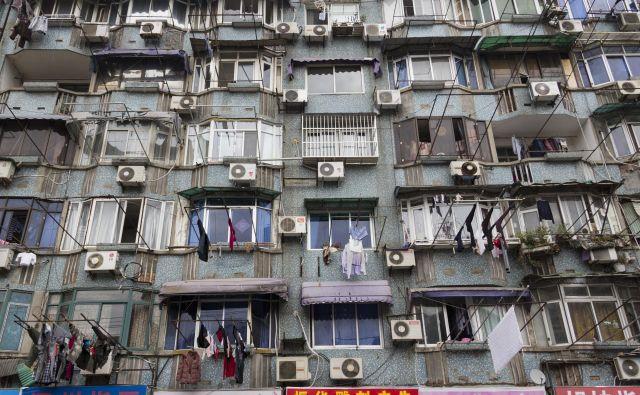 Na Kitajskem 70 odstotkov gospodinjstev uporablja klimatsko napravo; samo v letu 2010 so jih prodali 50 milijonov. Foto Shutterstock