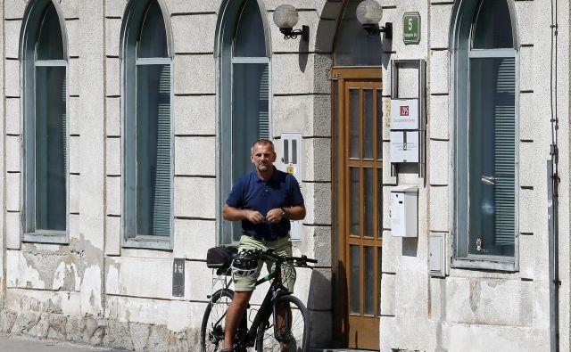 Za stavbo na Frankopanski 5, kjer je sedež Zveze potrošnikov Slovenije, na včerajšnji dražbi ni bilo zanimanja. FOTO: Matej Družnik