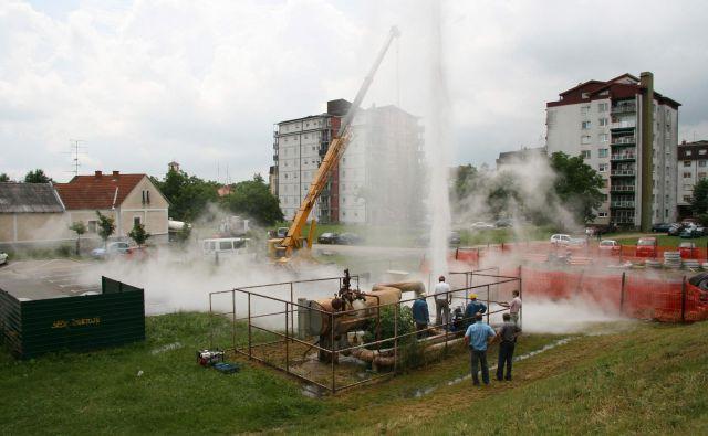 V Pomurju je podzemna voda res vroča. FOTO: Jože Pojbič/Delo