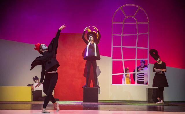 Prizor iz predstave Gospod in hruške. FOTO: Darja Štravs Tisu