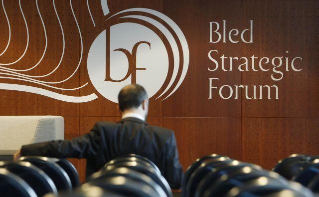 V času medvladja je udeležba na forumu skromnejša. FOTO: Leon Vidic/Delo