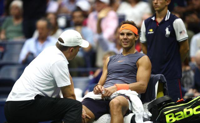 Rafael Nadal tretjega niza enostavno ne bi mogel odigrati. FOTO: Julian Finney/AFP