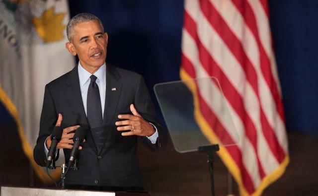 Obama je ošvrknil politike, ki izkoriščajo strahove ljudi in jih ščuvajo druge proti drugim zato, da ohranijo oblast in privilegije. FOTO: Scott Olson/Afp