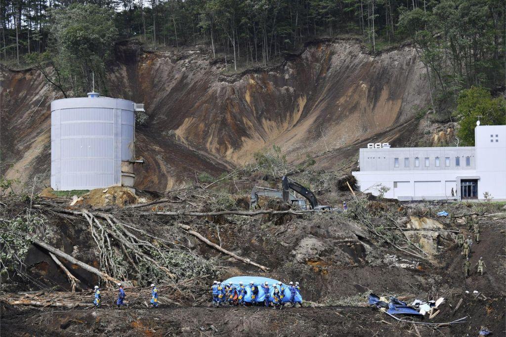 Število žrtev potresa na Japonskem se je povzpelo na 30