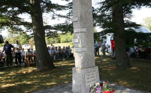 Bazoviški in podobni spomeniki predstavljajo dragocene in avtentične pomnike, je na slovesnosti med drugim povedala senatorka Tatjana Rojc. FOTO: Ljubo Vukelič/Delo