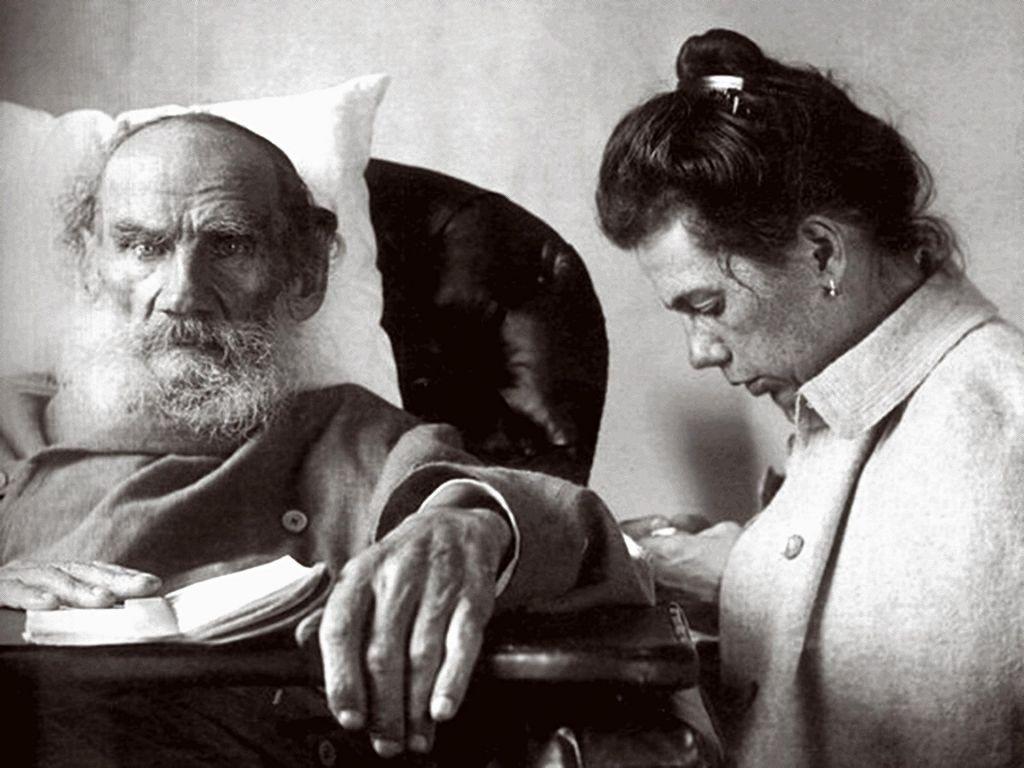 190 let od rojstva očeta Ane Karenine: Vsi bi radi spremenili svet, a nihče ne želi spremeniti samega sebe