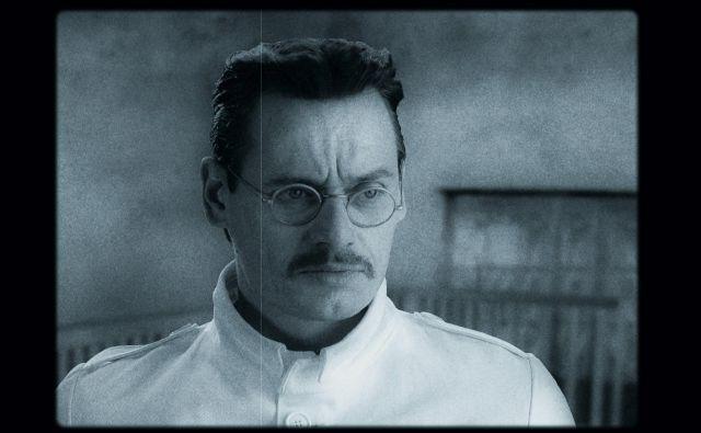 Tako v igranem kot dokumentarnem delu filma je glavna vloga pripadla Primožu Bezjaku Foto Arhiv Filma Codelli