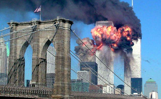 Sedemnajst let je minilo od napada. Spomin na tisti dan ostaja živ. FOTO:Sara K. Schwittek/Reuters