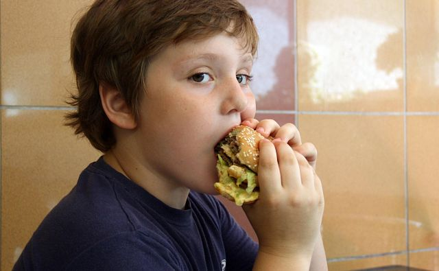 MZ, MIZŠ in NIJZ so bili pri izvajanju aktivnosti in ukrepov za obvladovanje debelosti otrok »delno učinkoviti«. FOTO: Shutterstock