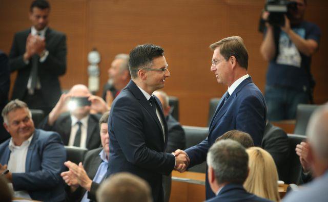 Premier v odhodu Miro Cerar bo danes predal vodenje države mandatarju Marjanu Šarcu. FOTO: Jure Eržen/Delo