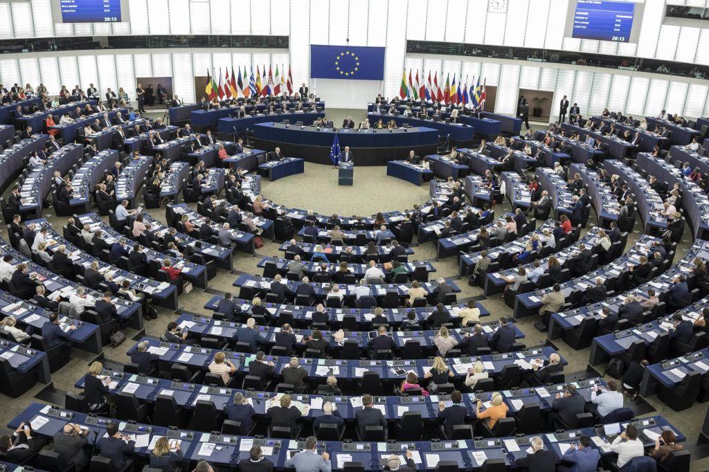 Od srede do srede: O desnem populizmu v EU
