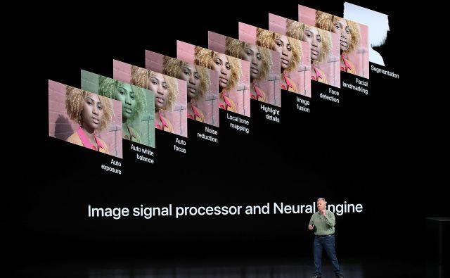 Glede novosti bo najzanimiveje preveriti fotoaparat, pri katerem obljubljajo precejšen napredek zaradi tako imenovane računske fotografije.« FOTO: Justin Sullivan/AFP