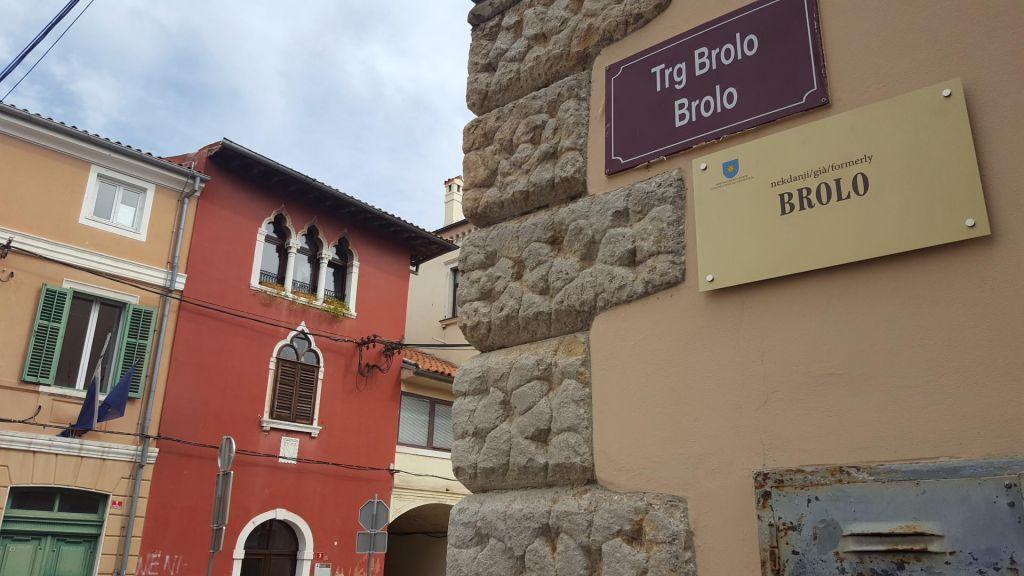 Za Titov trg še niso izdelali table s starim imenom