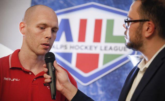 Jeseniški kapetan Andrej Tavželj na uradni predstavitvi AHL ni skrival visokih ciljev.<br /> FOTO Uroš Hočevar