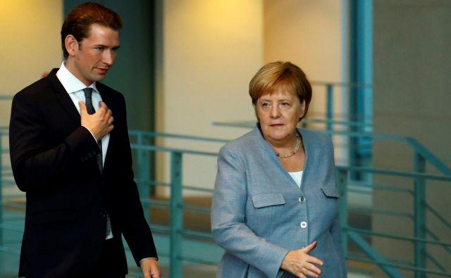 Morda bo Kurzu, Merklovi in drugim voditeljem EU pomagalo, da je migracij vse manj. Foto Reuters