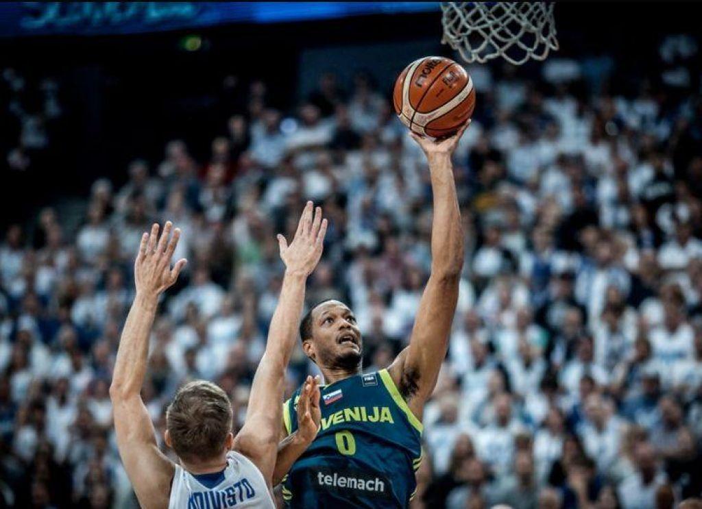Slovenski košarkarji tudi iz Latvije odhajajo sklonjenih glav