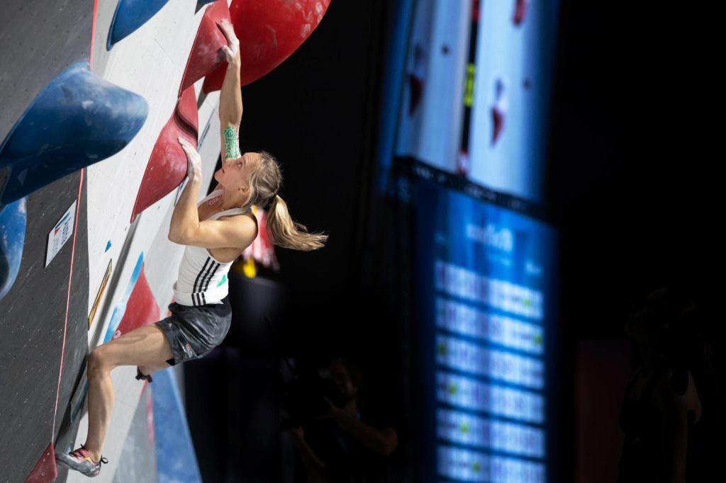 Janja Garnbret je svetovna prvakinja na balvanih!