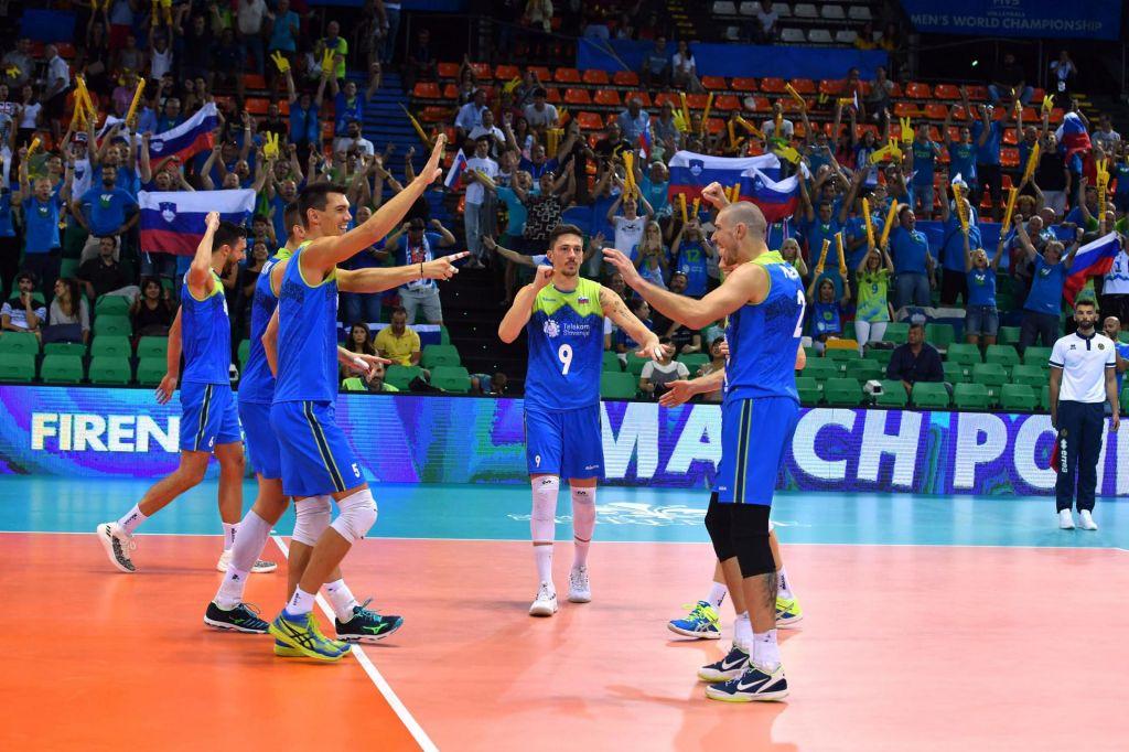 Slovenci z nogo in pol že v drugem delu turnirja