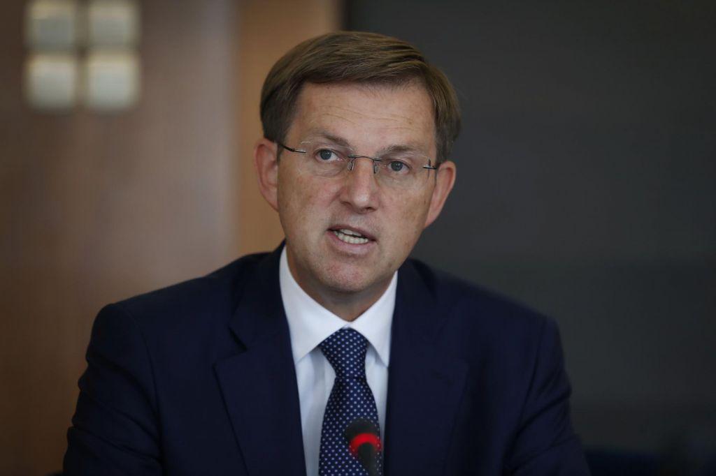 Cerar: To potrjuje oceno,da evropska komisija ni opravila svoje vloge kot varuhinje pogodb EU
