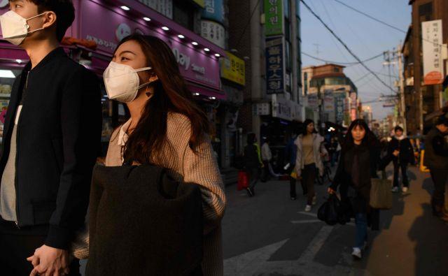 Na milijone ljudi je dnevno izpostavljenih prekomerno onesnaženemu zraku. FOTO: Ed Jones/AFP