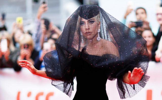 Lady Gaga se je tokrat prvič preizkusila v glavni ženski vlogi. FOTO: Mario Anzuoni/Reuters
