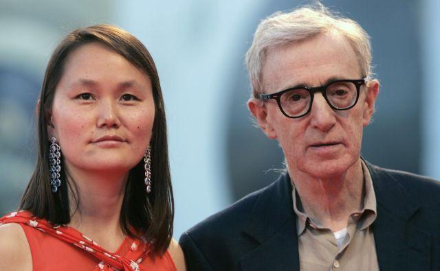 Soon-Yi Previn in Woody Allen sta se poročila leta 1997 in tudi sama posvojila dva otroka, ki se imenujetaBechet Dumaine Allen in Manzie Tio Allen. Družina živi na Manhattnu. FOTO: Reuters
