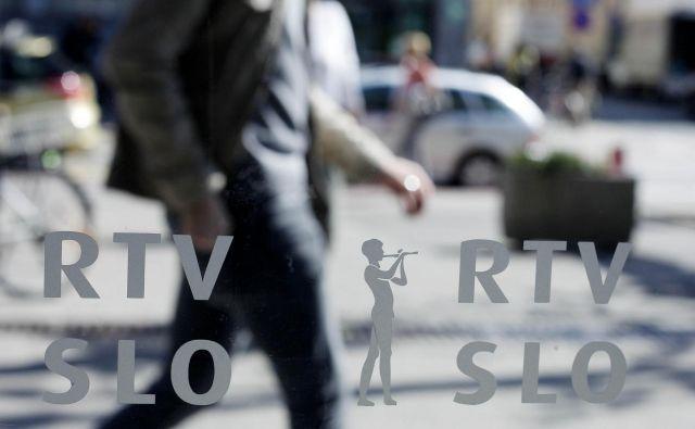 Presežek ur bodo na RTVS reševali z vsakim zaposlenim posebej. FOTO: Leon Vidic/Delo