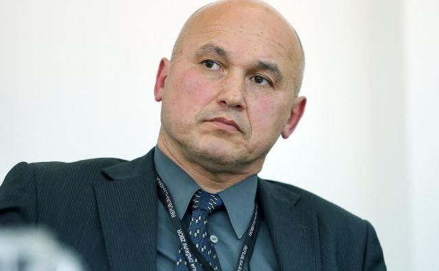 Direktor Sove Zoran Klemenčič naj bi se, kot je neuradno slišati, po odhodu z vrha Sove preselil na ministrstvo za obrambo. FOTO: Aleš Černivec