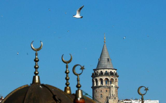 V drugem kvartalu letos je Turčija ustvarila sedem milijard dolarjev prihodkov iz turizma, kar je za 30 odstotkov več kot v istem času lani. FOTO: Reuters