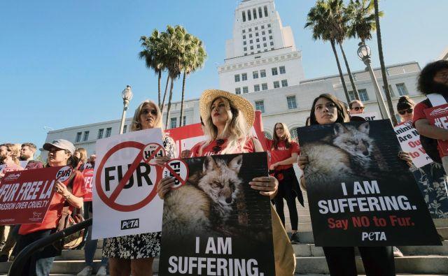 V kolikor bo zakon stopil v veljavo, bo Los Angeles postalo največje ameriško mesto, ki bi prepovedalo prodajo krznenih produktov. FOTO: Richard Vogel/Ap
