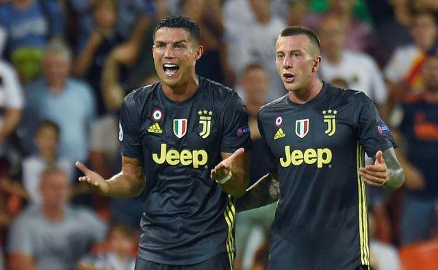 Cristiano Ronaldo ni skrival začudenja ob najstrožji odločitvi Felixa Brycha. Foto: AFP