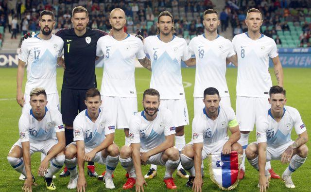 Slovenska nogometna reprezentranca je letos igrala pet tekem in kar štiri izgubila. FOTO: Roman �Šipić/Delo