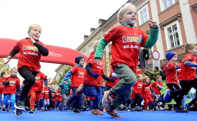 Šport je za otroke izjemno koristen, saj z njim razvijajo svoje telo, motorične in druge sposobnosti. FOTO: Roman Š�ipić