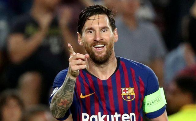 Lionel Messi je zaznamoval prvo kolo lige prvakov s tremi doseženimi goli na tekmi Barcelone in PSV.