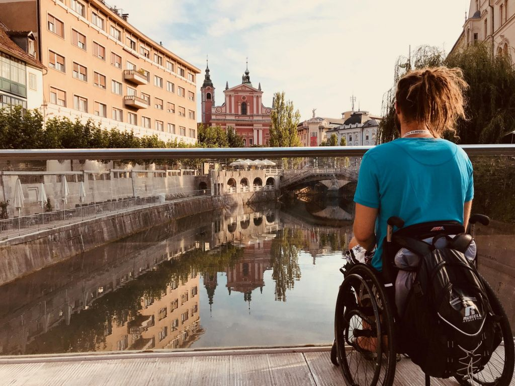FOTO:»Tudi vozičkarji smo lahko aktivni turisti, zato si želimo dostopna mesta in znamenitosti«