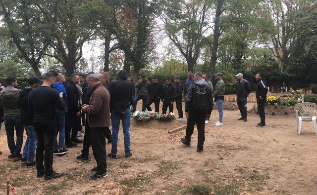 Šefa enega najnevarnejših »arabskih« klanov v nemški prestolnici so pokopali na novem pokopališču dvanajstih apostolov v bližini berlinske postaje hitre železnice Schöneberg. Foto: Barbara Kramžar
