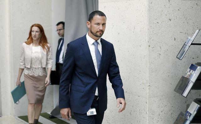 Primož Dolenc je bil zaposlen v Abanki, ki je bila sanirana z davkoplačevalskim denarjem, zato je za nekatere neprimeren kandidat za guvernerja. FOTO: Blaž Samec