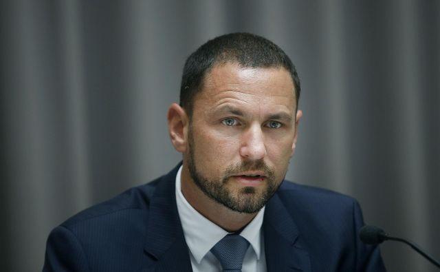 Kandidat za guvernerja Banke Slovenije se bo javnosti predstavil v ponedeljek s predsedniški palači. FOTO: Bla�ž Samec