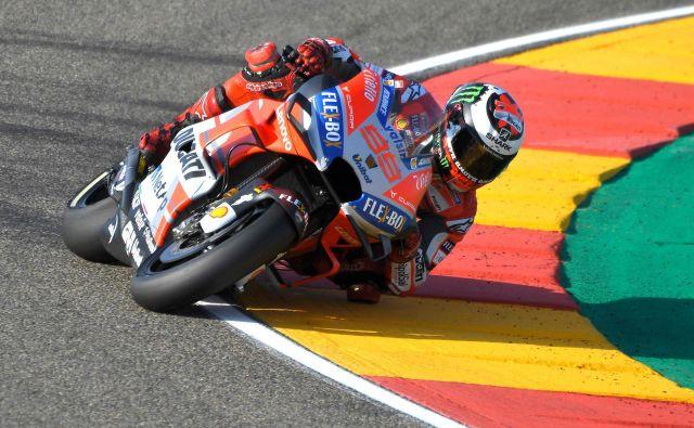 Jorge Lorenzo si je najboljši štartni položaj zagotovil z odličnim zadnjim kvalifikacijskim krogom. FOTO: Jose Jordan/AFP