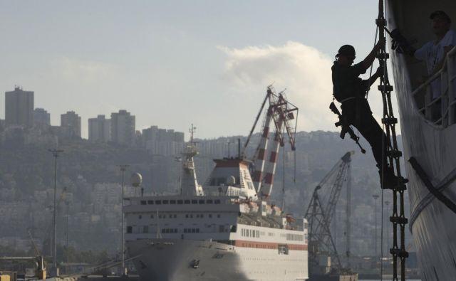Pirati najpogosteje napadajo svoje žrtve v pristaniščih ali pa v teritorialnih vodah. FOTO: Reuters